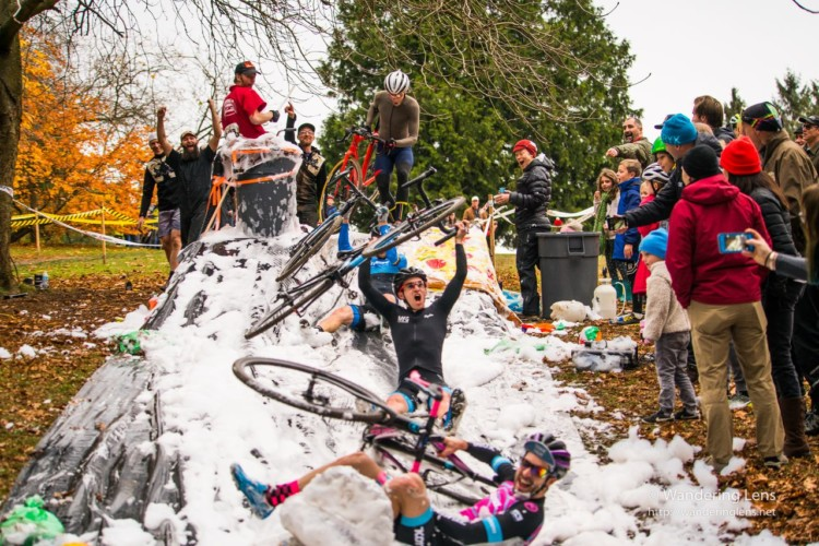 MFG Woodland Park Foam Party. © Wandering Lens