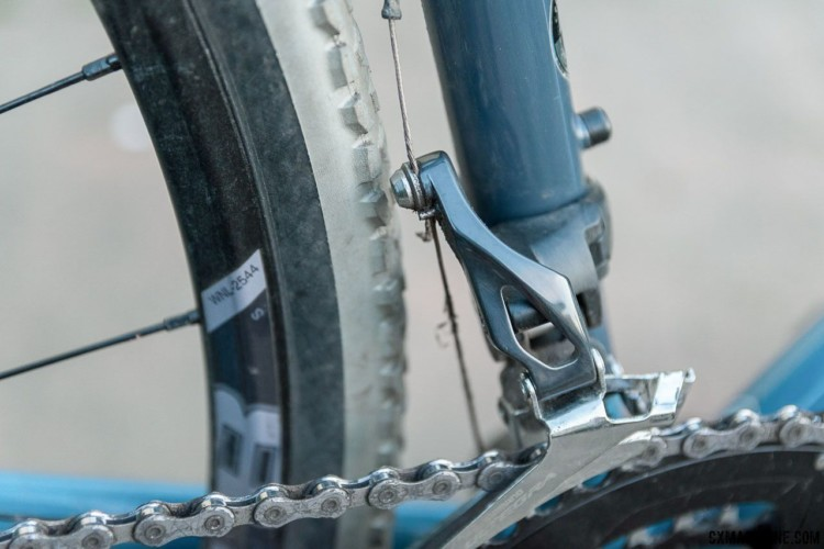 The long swing arm of the Shimano Ultegra 6800 front derailleur almost touches the 33mm 'cross tire. A wider tire rubs. New, redesigned Shimano front derailleurs will solve this issue. Breezer Inversion gravel / cyclocross bike. © C. Lee / Cyclocross Magazine