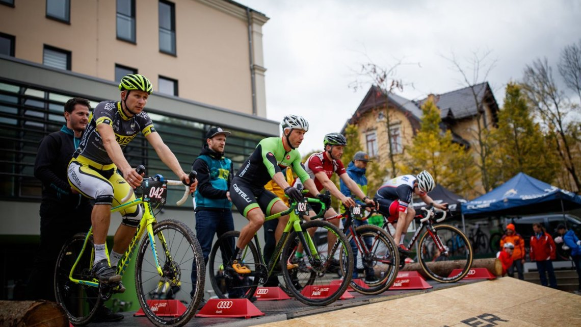 The Cyclocross Eliminator featured a BMX-style start. 2017 Cyclocross Eliminator, Reichenbach, Germany. © Vogtland Bike e.V.. 2017 Cyclocross Eliminator, Reichenbach, Germany. © Vogtland Bike e.V.