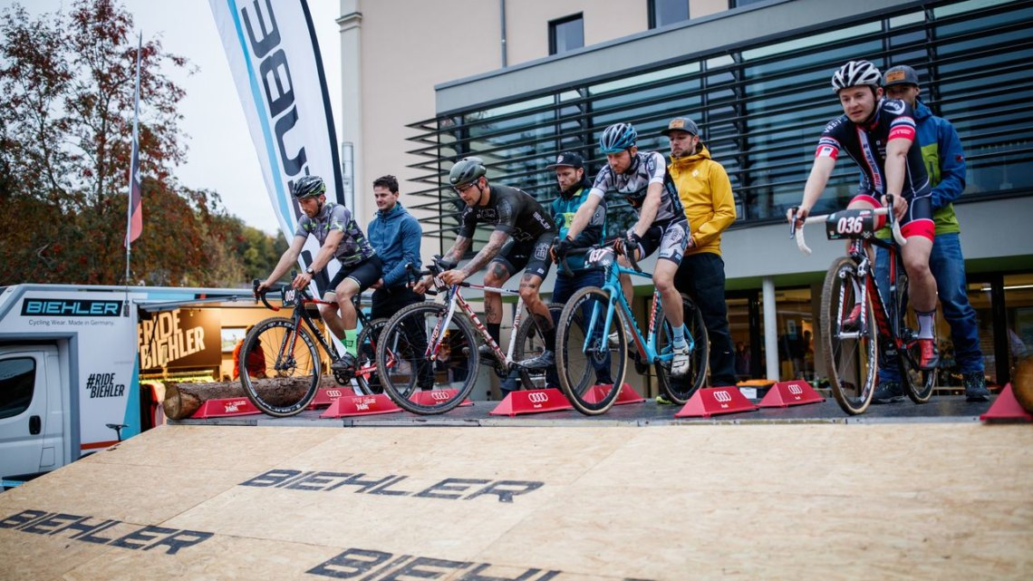 The Cyclocross Eliminator featured a BMX-style start. 2017 Cyclocross Eliminator, Reichenbach, Germany. © Vogtland Bike e.V.