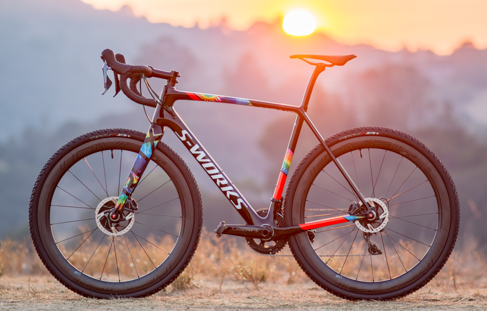 The 2018 Specialized S-Works CruX cyclocross bike featured a rare color scheme that served up more colors than any sunset. © Cyclocross Magazine
