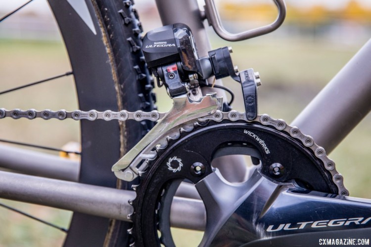 WickWerks also supplies their Chain Sentinel two sided guard to prevent dropped chains and overshifting. Gage Hecht's 2017 Pan-Ams Moots Psychlo X RSL. © D. Perker / Cyclocross Magazine