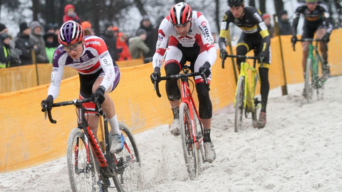 David van der Poel and Wietse Bosmans lead the charge through the sand. 2017 Zilvermeercross, Mol, Belgium. © B. Hazen / Cyclocross Mag
