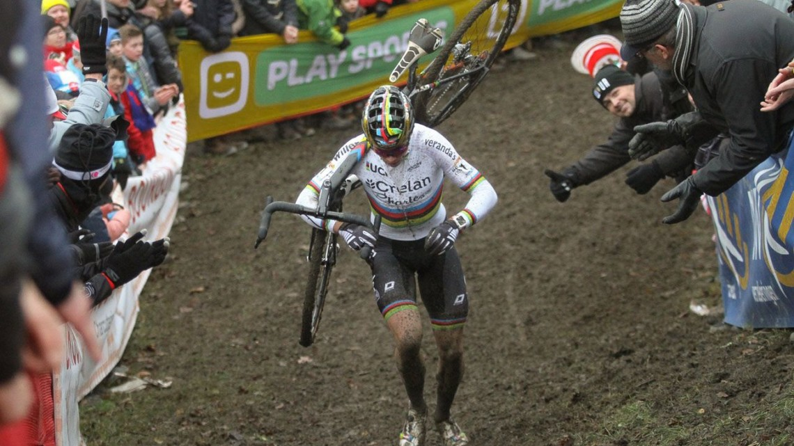 Wout van Aert had a dominant ride in Namur, and the Belgian fans showed their appreciation. 2017 World Cup Namur. © B. Hazen / Cyclocross Magazine