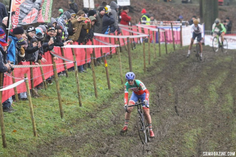 Eva Lechner had a lead early in the race after her fast start up the hill. 2017 World Cup Namur. © B. Hazen / Cyclocross Magazine