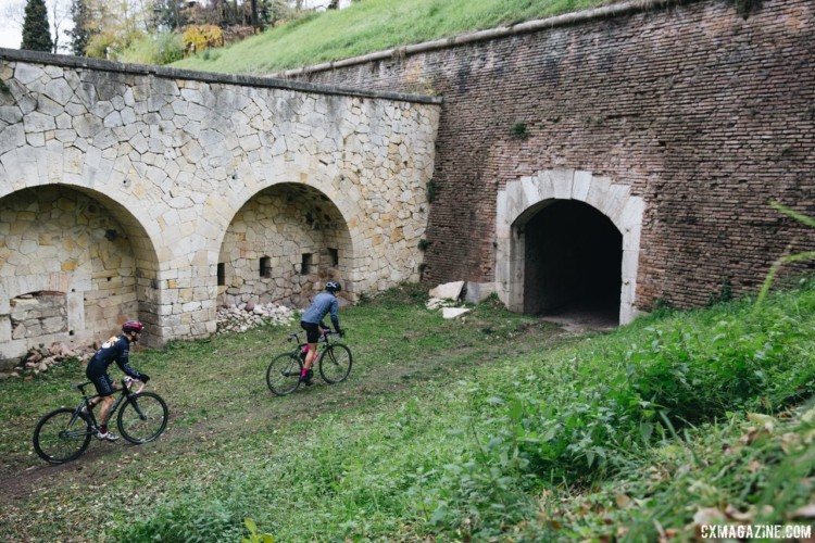"The venue for Singlespeed Worlds had a very ""Old World"" feel. 2017 SSCXWCITA, Verona, Italy. © F. Bartoli Avveduti / Cyclocross Magazine"