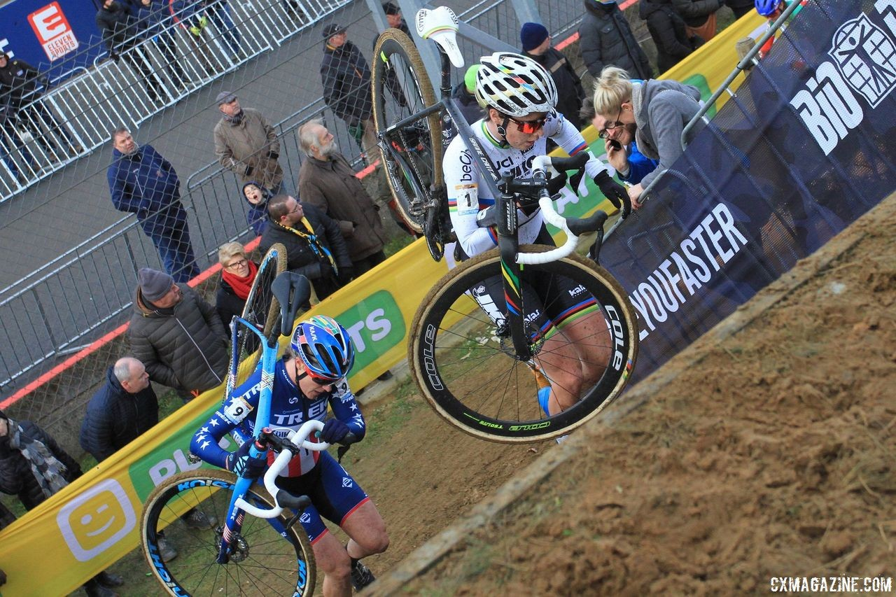 Sanne Cant and Katie Compton had a number of battles during the 2017/18 season. 2017 World Cup Zolder. © B. Hazen / Cyclocross Magazine