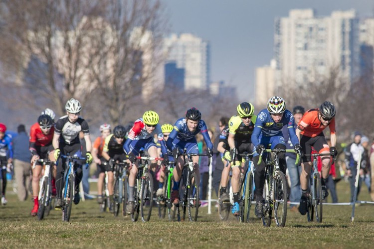 In a battle for the hole shot, the Chicago Cross Cup's 15-18 field blasts off to an energetic start. 2017 Chicago Cross Cup #11, Montrose Harbor Illinois State Championships. © 2017 Matthew Gilson