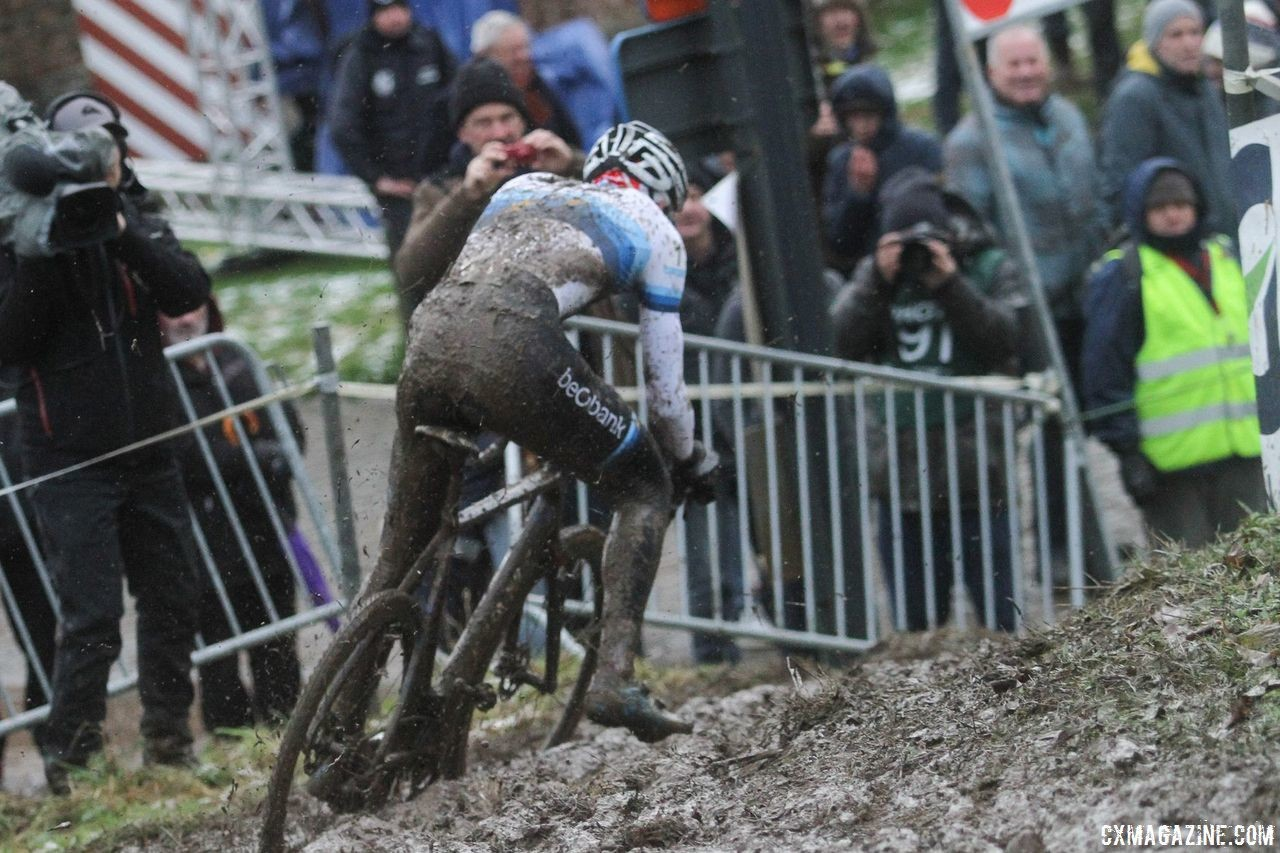Van der Poel's 'cross handling in the mud paid off during his third-place ride at XCO Worlds. 2017 Vlaamse Druivencross. © B. Hazen / Cyclocross Magazine