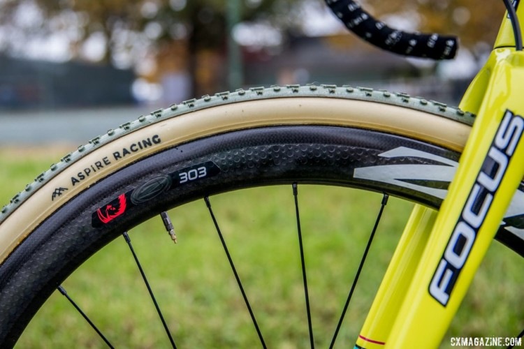 Aspire has custom branded tubulars from FMB, which are glued to Zipp 303 Firecrest wheels. Jeremy Powers' 2017 Pan-Ams Focus Mares. © D. Perker / Cyclocross Magazine