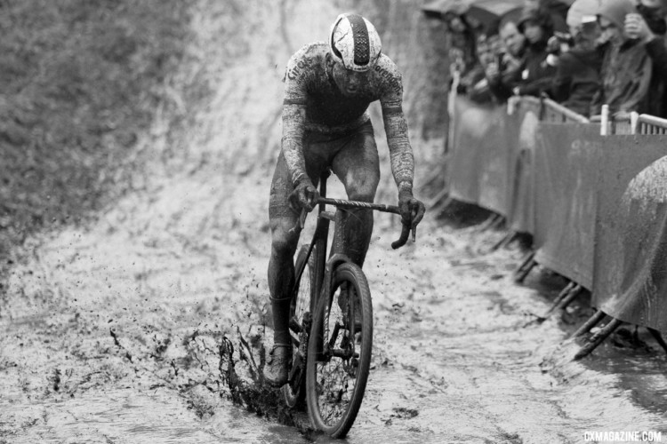 Mother Nature didn't hold back the tears to start 2018, and Mathieu van der Poel took advantage of the heavy conditions. 2018 GP Sven Nys Baal - Elite Men. © B. Hazen / Cyclocross Magazine