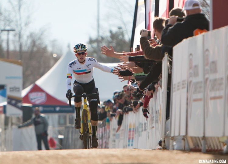 Even years means high fives for Gomez Villafane. Junior Men 17-18. 2018 Cyclocross National Championships. © A. Yee / Cyclocross Magazine