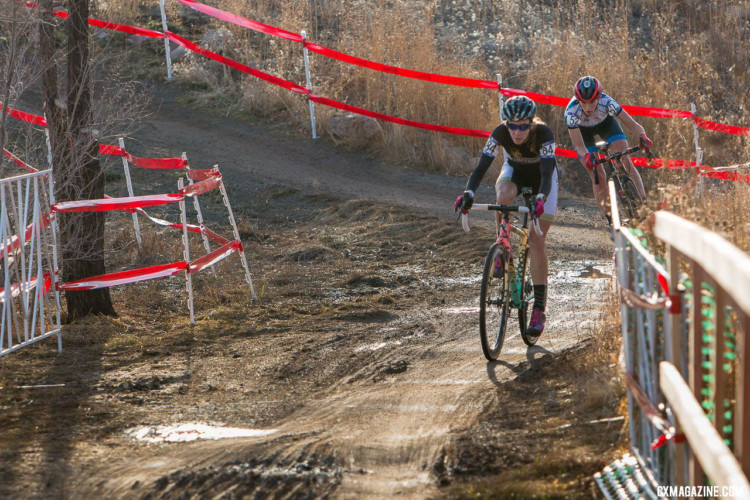 Sammi Runnels and Hannah Arensman battled for half the race. Collegiate Varsity Women. 2018 Cyclocross National Championships. © A. Yee / Cyclocross Magazine