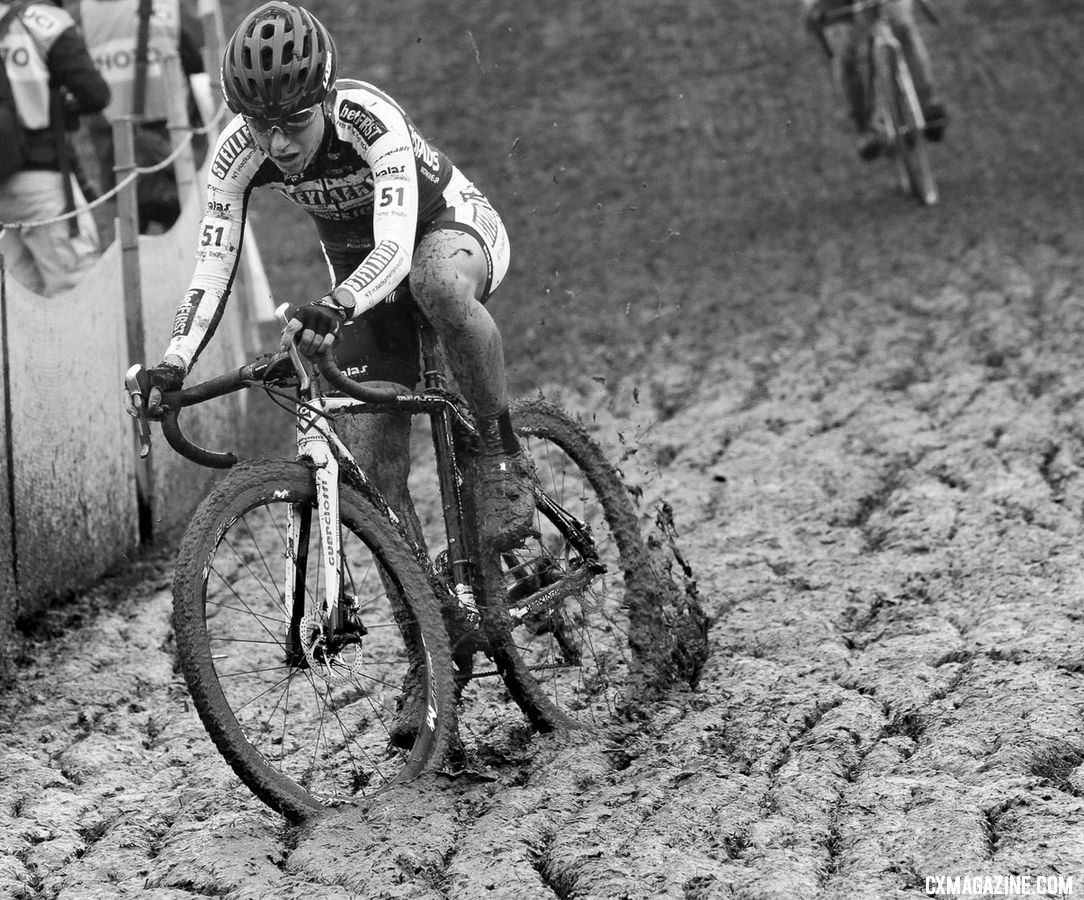 Alice Maria Arzuffi powering through the mud. Nommay UCI Cyclocross World Cup - Elite Women. © B. Hazen / Cyclocross Magazine