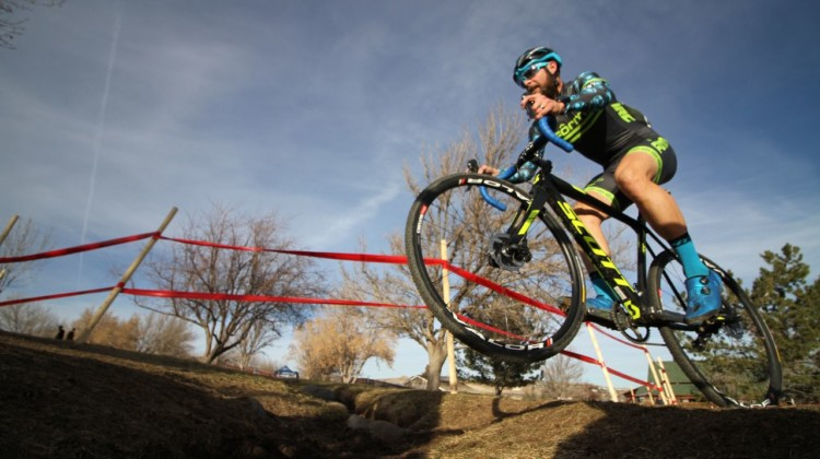 Jake Wells needed an extra kick in the last lap to get his win. Men's Singlespeed. 2018 Cyclocross National Championships. © D. Mable/ Cyclocross Magazine