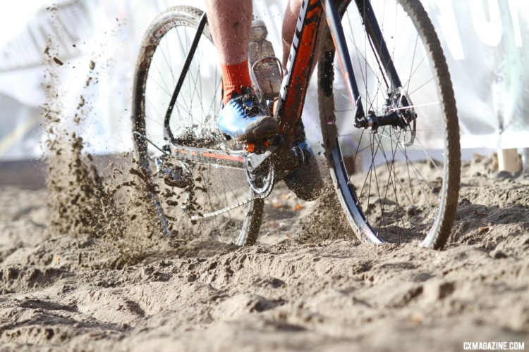 Junior Men plow through the freshly-raked sand. 2018 Cyclocross National Championships. © D. Mable/ Cyclocross Magazine