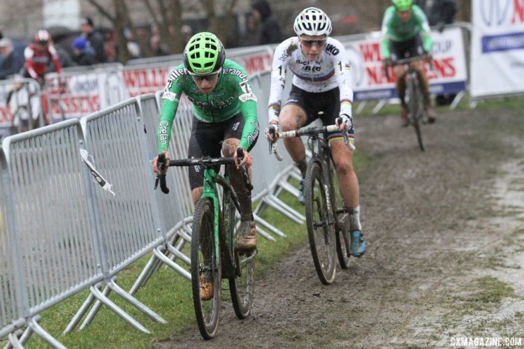 Maud Kaptheijns eventually beat out Sanne Cant for the third podium position. 2018 GP Sven Nys Baal. © B. Hazen / Cyclocross Magazine