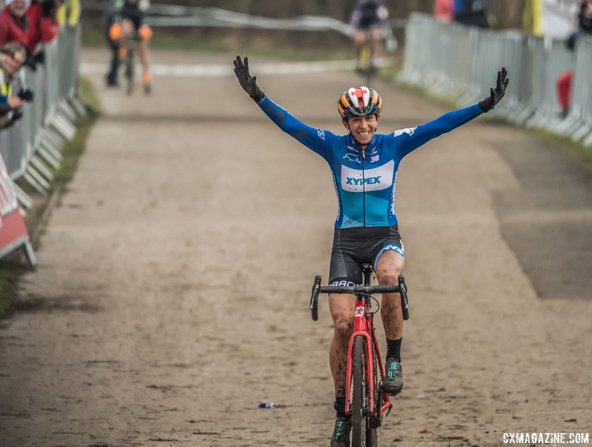 A blue Helen Wyman Xypex-Verge skinsuit is one of the items being auctioned off in the Charm City CX raffle. © Andy Whitehouse / Cyclocross Magazine