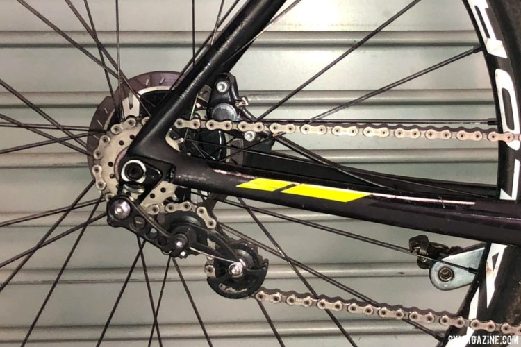 Wells ran a 42t front chain ring and 18t rear cog. He used a tensioner to convert his geared bike to a singlespeed. Jake Wells' 2018 Nationals-Winning Singlespeed Scott Addict CX. © D. Mable / Cyclocross Magazine