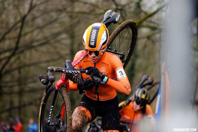 Ceylin del Carmen Alvarado had a fast start and final lap to secure silver. U23 Women. 2018 UCI Cyclocross World Championships, Valkenburg-Limburg, The Netherlands. © Gavin Gould / Cyclocross Magazine