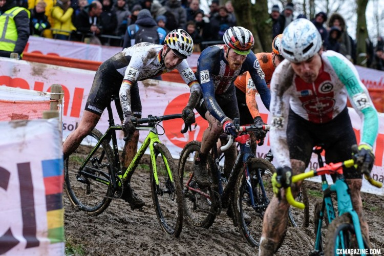 Things got a little physical between Stephen Hyde and Marcel Meisen. Elite Men. 2018 UCI World Championships, Valkenburg-Limburg. © Gavin Gould / Cyclocross Magazine