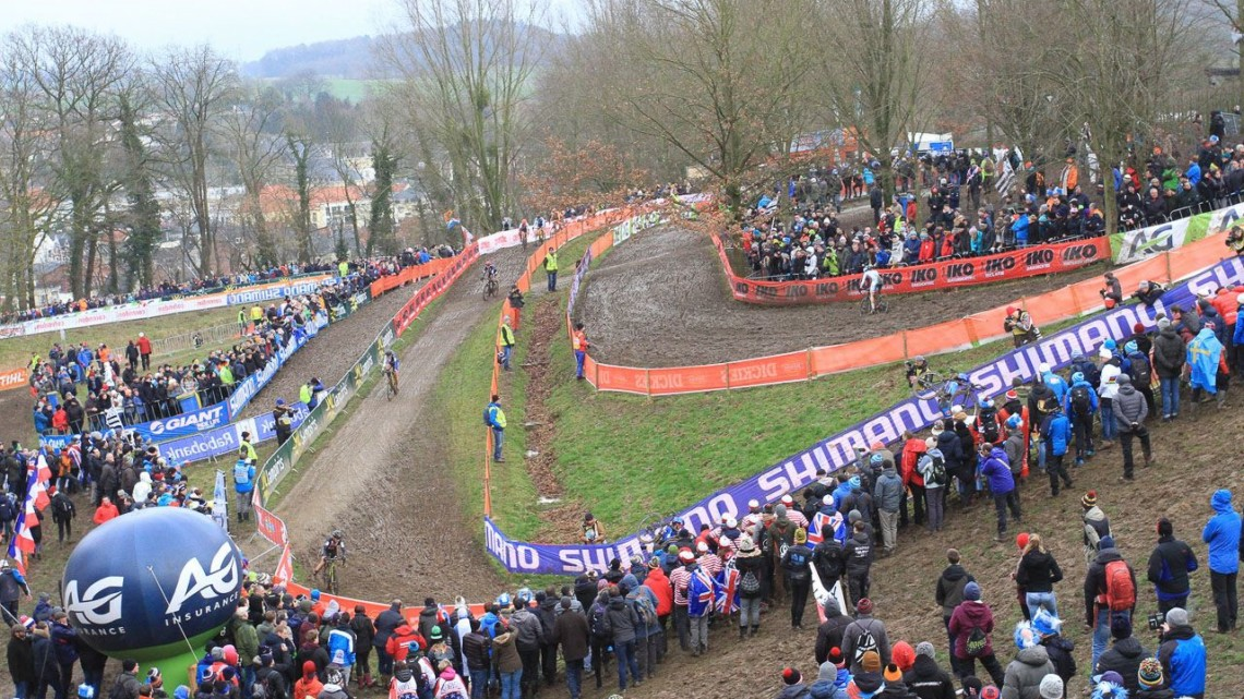 The course at Valkenburg featured a number of challenging muddy off-cambers. Elite Women. 2018 UCI Cyclocross World Championships, Valkenburg-Limburg, The Netherlands. © Bart Hazen / Cyclocross Magazine