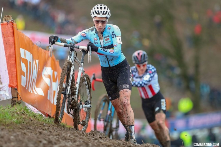 Sanne Cant and Katie Compton had a memorable battle for the win at Valkenburg. Elite Women. 2018 UCI Cyclocross World Championships, Valkenburg-Limburg, The Netherlands. © Bart Hazen / Cyclocross Magazine