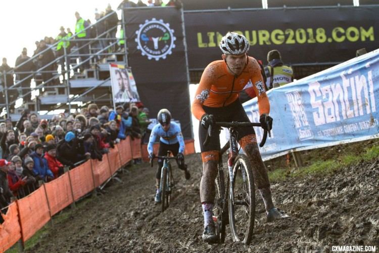 Joris Nieuwenhuis led early on before Eli Iserbyt took charge. U23 Men. 2018 UCI Cyclocross World Championships, Valkenburg-Limburg, The Netherlands. © Bart Hazen / Cyclocross Magazine