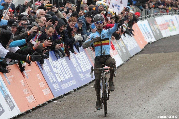 Eli Iserbyt celebrates his second U23 title. U23 Men. 2018 UCI Cyclocross World Championships, Valkenburg-Limburg, The Netherlands. © Bart Hazen / Cyclocross Magazine