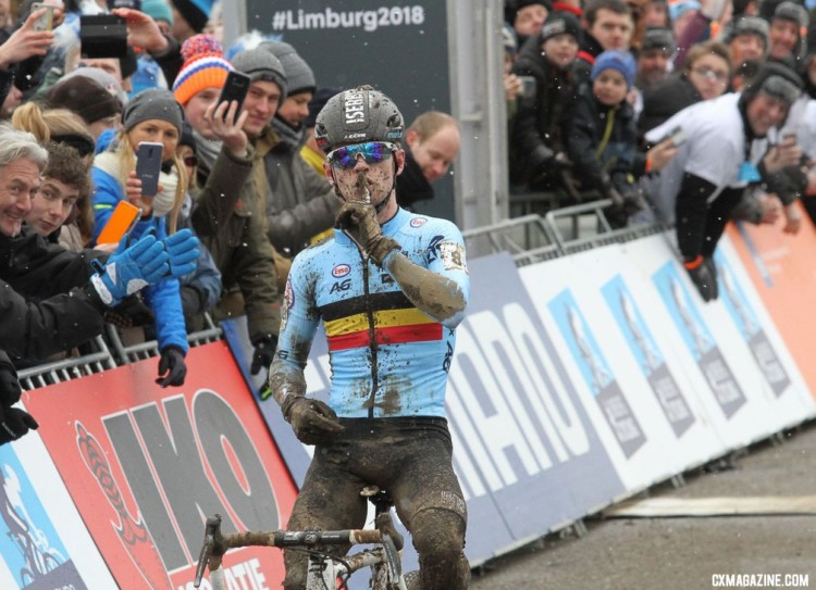 Eli Iserbyt has a message for his Dutch hosts after his win. U23 Men. 2018 UCI Cyclocross World Championships, Valkenburg-Limburg, The Netherlands. © Bart Hazen / Cyclocross Magazine