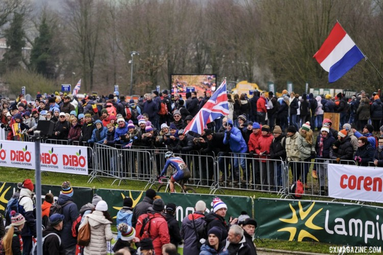 Evie Richards and the other British riders had a nice showing of support in the Netherlands. 2018 Cyclocross World Championships, Valkenburg-Limburg. © Gavin Gould / Cyclocross Magazine