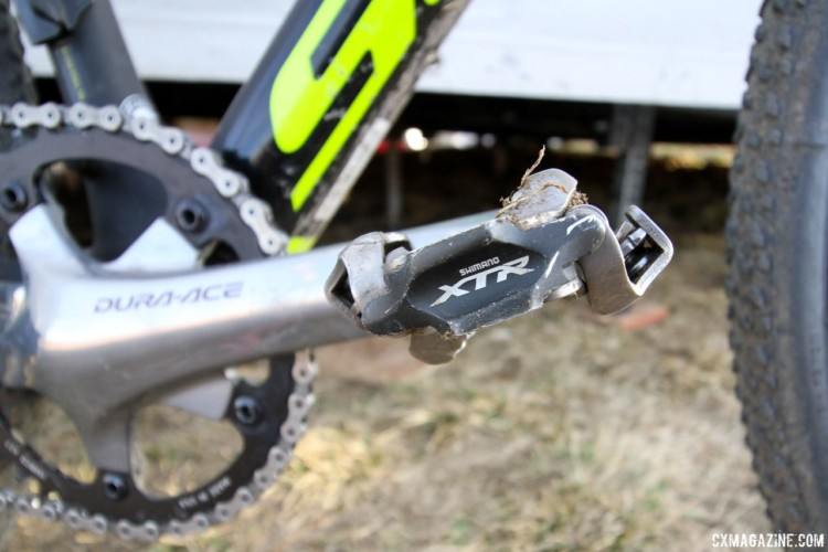 Shimano XTR PD-M9000 are less common with pros than the lower priced XT PD-M8000