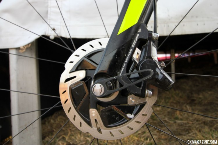 Wells used a non-series Shimano brake caliper with a flat mount adapter and RT900-SS 140mm Centerlock rotors front and rear. Jake Wells' 2018 Nationals-Winning Singlespeed Scott Addict CX. © D. Mable / Cyclocross Magazine