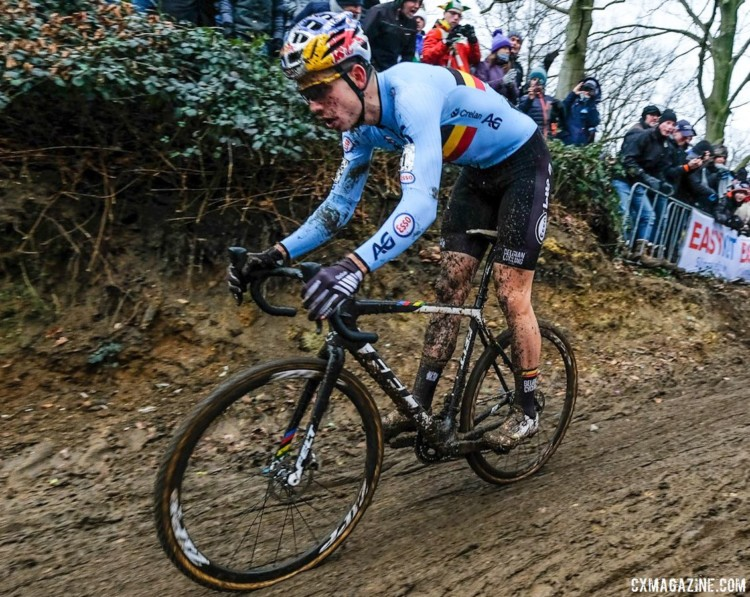 Wout van Aert rode a second Felt bike with a slightly different paint scheme at Worlds. Elite Men. 2018 UCI World Championships, Valkenburg-Limburg. © Gavin Gould / Cyclocross Magazine