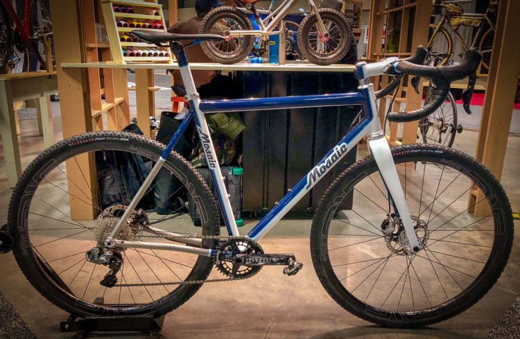 Mosaic builds steel and titanium cyclocross bikes like this one in Boulder, Co. Meredith Miller won the singlespeed title at the 2018 Nationals in Reno on a Mosaic. It also offers road and gravel bikes. 2018 North American Handmade Bike Show. © Mike Taylor / Cyclocross Magazine