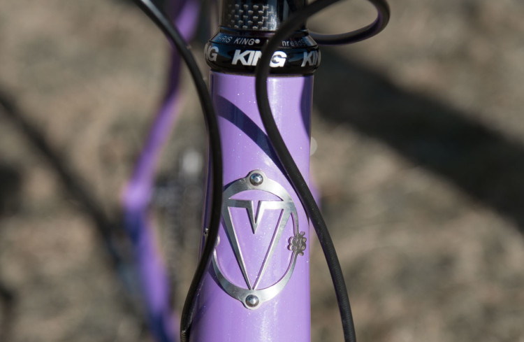 Ventana equipped the externally tapered head tube with a proper bolt on head badge. Crockell equipped the bike with a Chris King headset. Hope Crockell's Junior 13-14 Ventana El Martillo CX, 2018 Cyclocross National Championships. © C. Lee / Cyclocross Magazine
