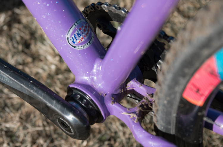 Wheels Manufacturing, like Ventana, makes its thread together conversion brakets in the United States and uses Enduro bearings for several spec levels. Hope Crockell's Junior 13-14 Ventana El Martillo CX, 2018 Cyclocross National Championships. © C. Lee / Cyclocross Magazine