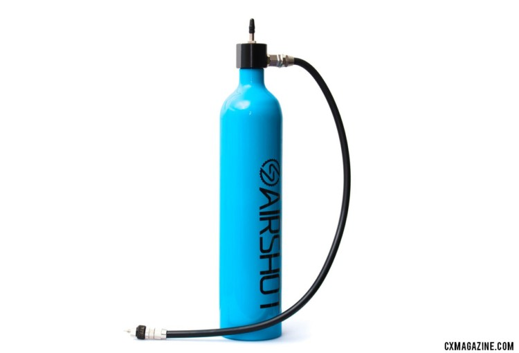 The Airshot LTD tubeless compressor / canister retails for $59.96 in the US, weighs just 441 grams and can turn any floor pump into a tubeless compressor charging pump. © Cyclocross Magazine