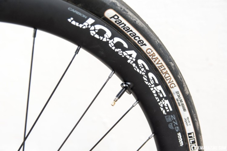 The tubeless-ready carbon wheels come with Boyd valves and patent-pending wing nuts. Boyd Jocassee 650b Carbon Tubeless Gravel Wheelset. © C. Lee / Cyclocross Magazine