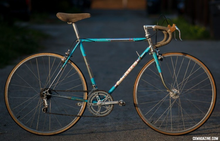A $100 1964 Carlton Flyer might be rare, but finding a 1960s or 1970s British lightweight with clearance for 35mm or bigger rubber is not. With 700c wheels, 35mm tires and a bit of TLC, the bike will be ready to fly through all but the gnarliest gravel grinds. © Cyclocross Magazine