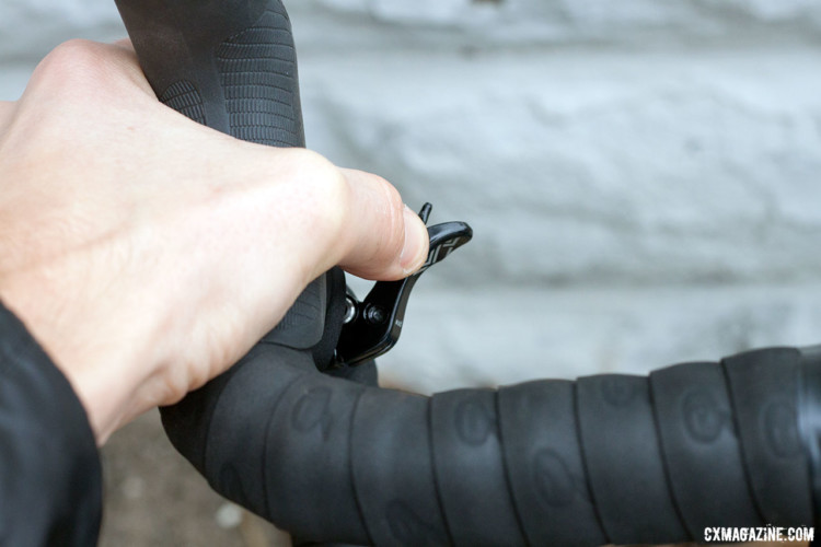 The PNW Pine's drop bar lever stayed in thumb's reach at nearly all times. © Cyclocross Magazine