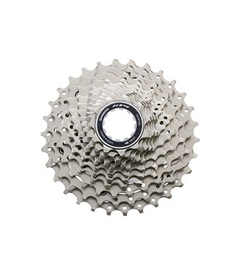 As it did with the Ultegra 8000 groupset, Shimano has added an 11-34t casette that allows you to pair an 11-speed drivetrain with 10-speed wheels. 2018-2019 Shimano 105 R7000 Groupset. photo: Shimano