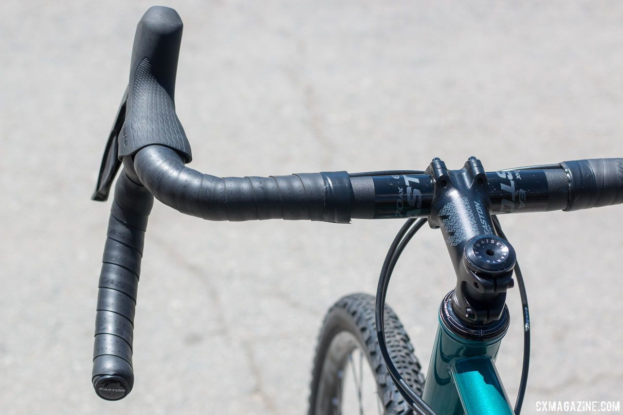 Easton's AX flared adventure bars are an example of a flared gravel bar. 2018 Sea Otter Classic cyclocross and gravel new products. © Cyclocross Magazine
