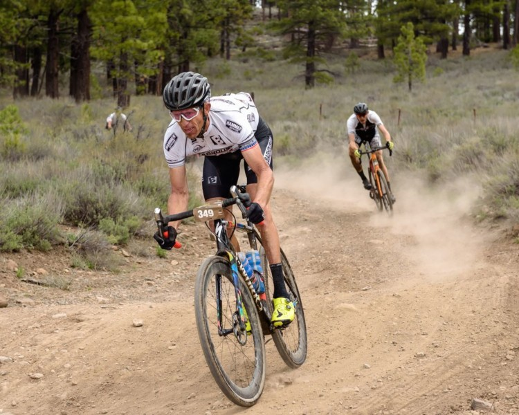 Third-place finisher Victor Sheldon rips down one of the dirt descents. 2018 Sagan Dirt Fondo. © Craig Huffman