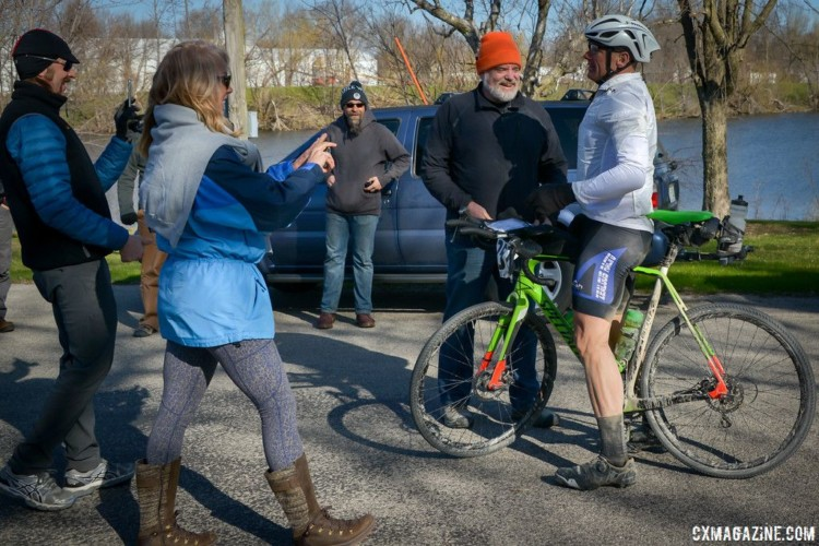 Guitar Ted welcomed Trans Iowa finishers for the last time in 2018. 2018 Trans Iowa Gravel Race. © Jon Duke / Cyclocross Magazine