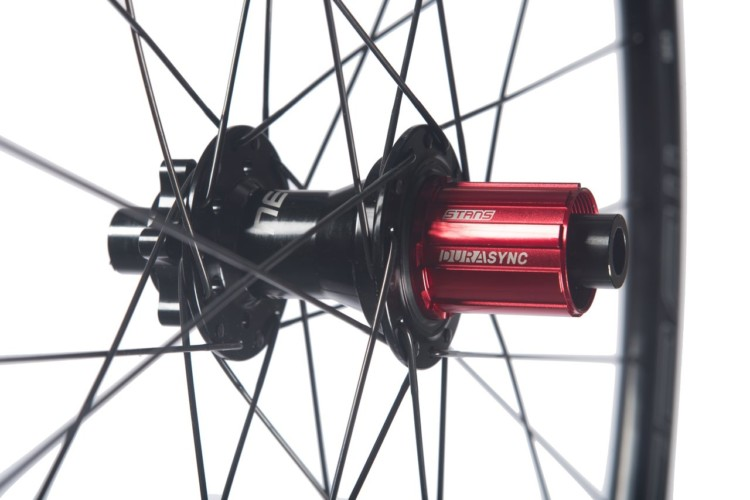 Stan's NoTubes Grail MK3 alloy tubeless wheelset for gravel and cx features the DuraSync rear freehub. photo: NoTubes
