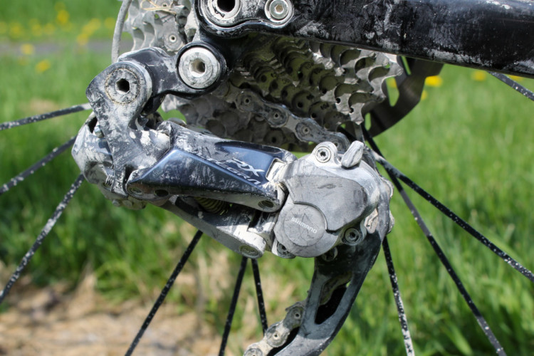 The Ultegra RX derailleur has a switch to toggle the clutch on and off. 2018 Almanzo 100 Gravel Race. © Cyclocross Magazine
