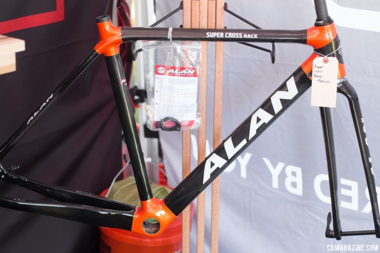 The Super Cross features tube to tube construction and custom sizing. © Cyclocross Magazine