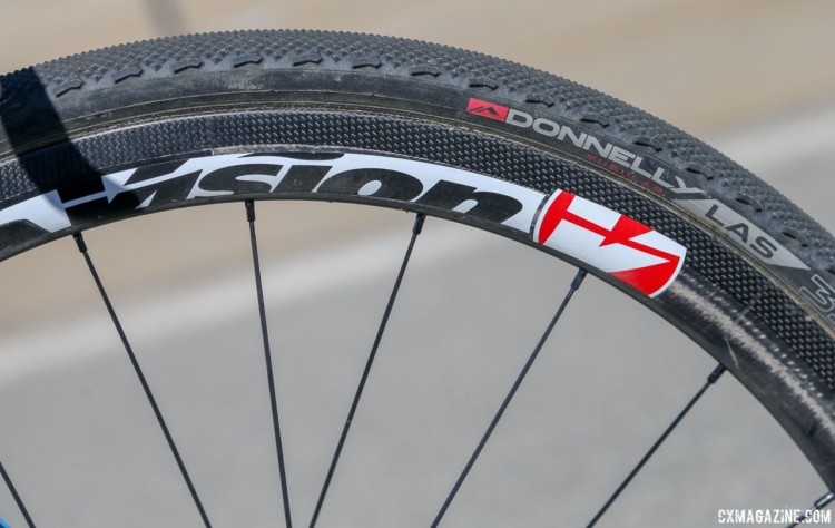 Haidet chose Donnelly's LAS file tread for Sea Otter. Lance Haidet's 2018 Sea Otter Classic cyclocross race-winning Pivot Vault. © J. Silva / Cyclocross Magazine
