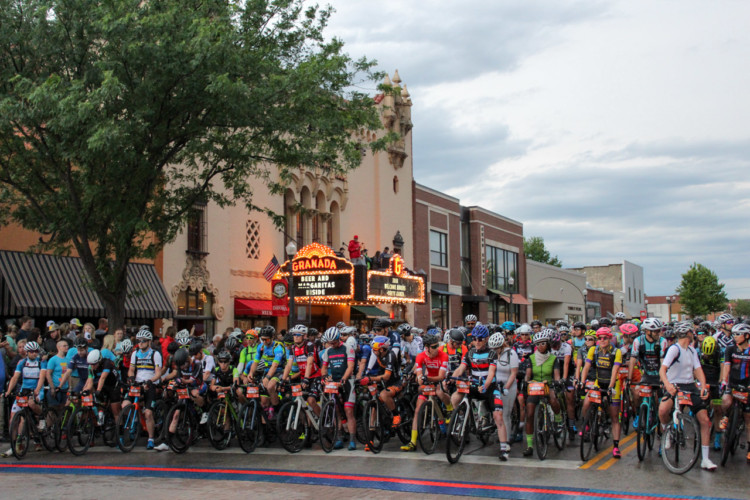 Riders wait for the start of the Dirty Kanza 200 after a 30-minute rain delay. 2018 Men's Dirty Kanza 200. © Z. Schuster / Cyclocross Magazine
